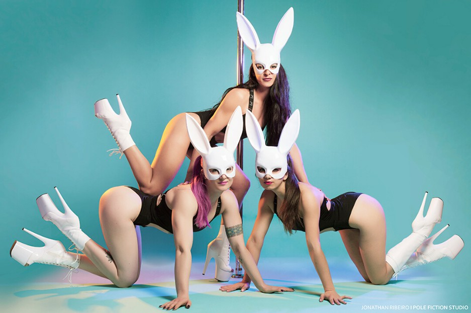 EXOTIC BUNNY & CHAIR DANCE